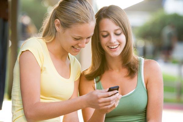 teens using apps