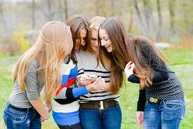 teens on phone