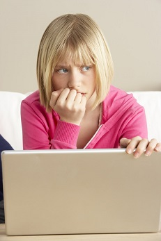 woman being cyberbullied