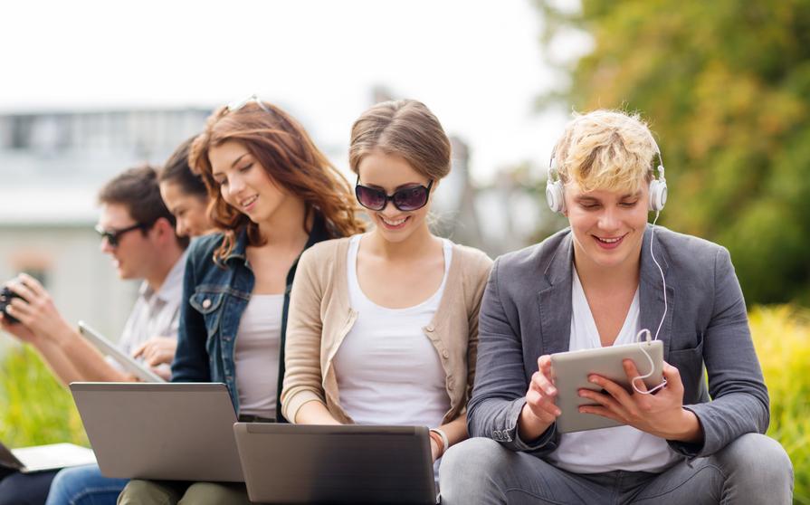 teenagers on computers